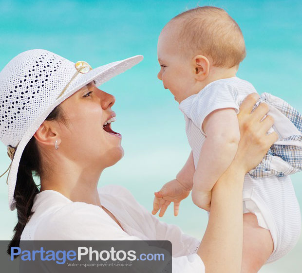 C'est le service parfait pour partager la naissance de son bébé avec les membres de sa famille et amis éloignés