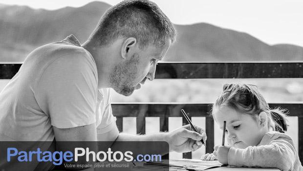 Choisir un service de partage photo privé offre des avantages certains à tous les internautes souhaitant protéger leur vie privée et garder le contrôle de leur droit à l'image.