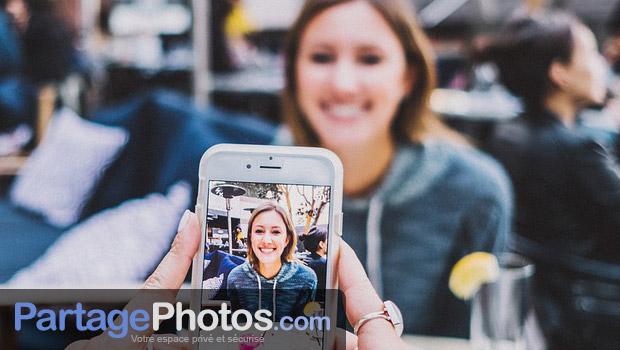 Chaque contributeur peut publier des albums photos et des vidéos dans votre espace privé