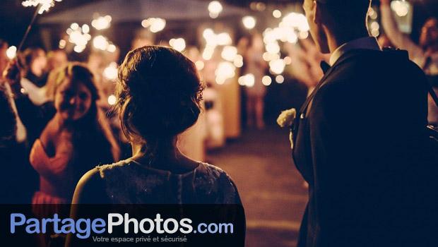 Vous pourrez ainsi récupérer les photos de votre mariage d'un simple clic. C'est un espace de mariage collaboratif, privatif et entièrement pensé pour une utilisation personnelle.