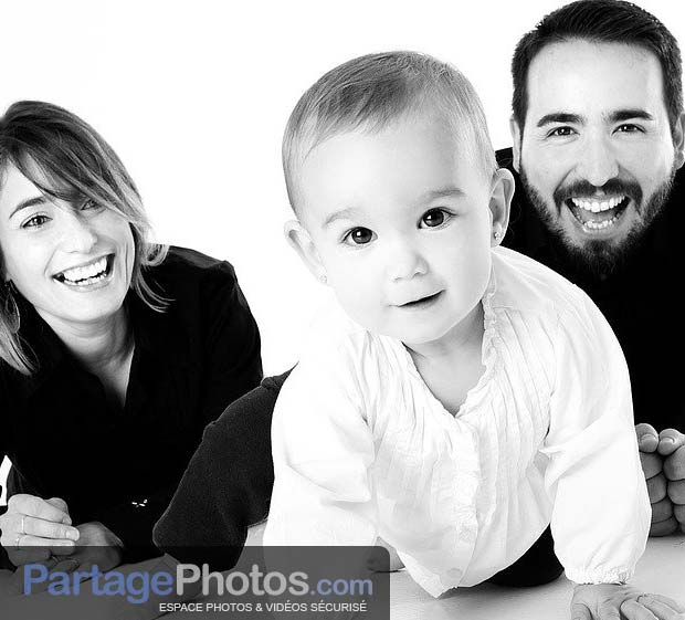 Photos de famille sur le web : utilisez une plateforme privée et sécurisée