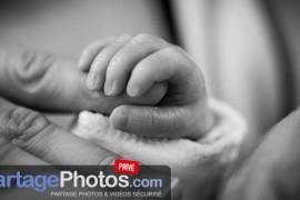Annoncer la naissance de son bébé à la famille et aux amis
