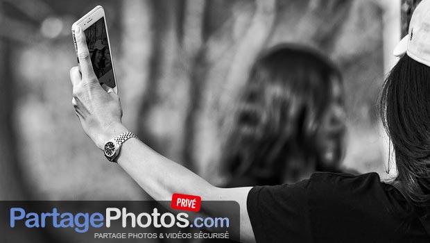 Stockage photo sécurisé en ligne : Transférer l'ensemble de ses albums photos de famille, ses vidéos ou encore pire, des documents sensibles dans le cloud ou sur les réseaux sociaux est très risqué