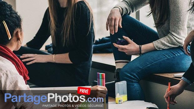 Comment partager des photos avec des amis sans utiliser les réseaux sociaux ?
