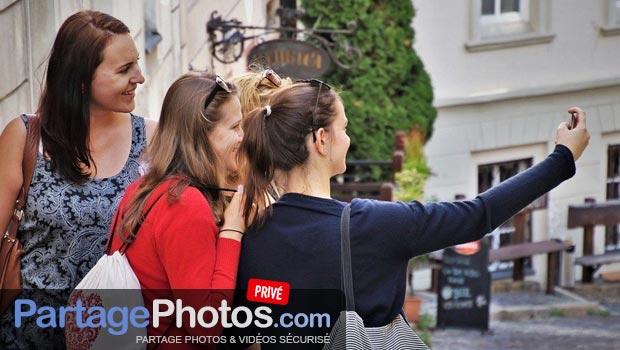 Partage de Selfie sur Facebook : attention à votre vie privée et le devenir de vos clichés